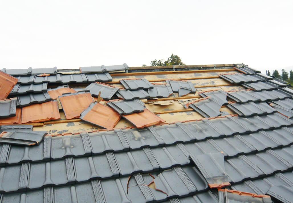 災害被害に遭われた方の瓦の緊急対応はお任せください